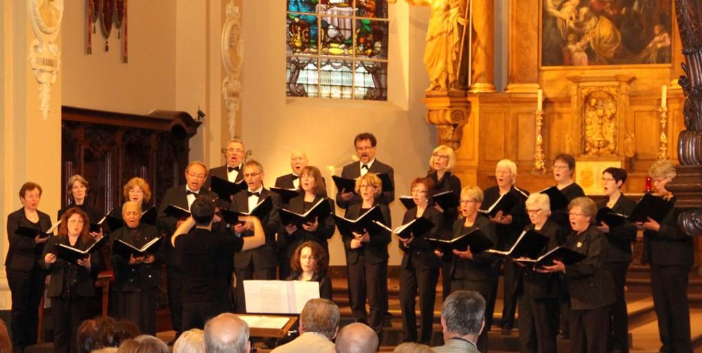 Auch in Kammerbesetzung begeisterte der Kammerchor beim Benefizkonzert in Brasschaat